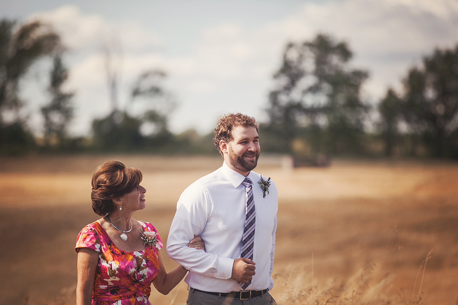 Vanessa_Paxton_Farm_Wedding_037