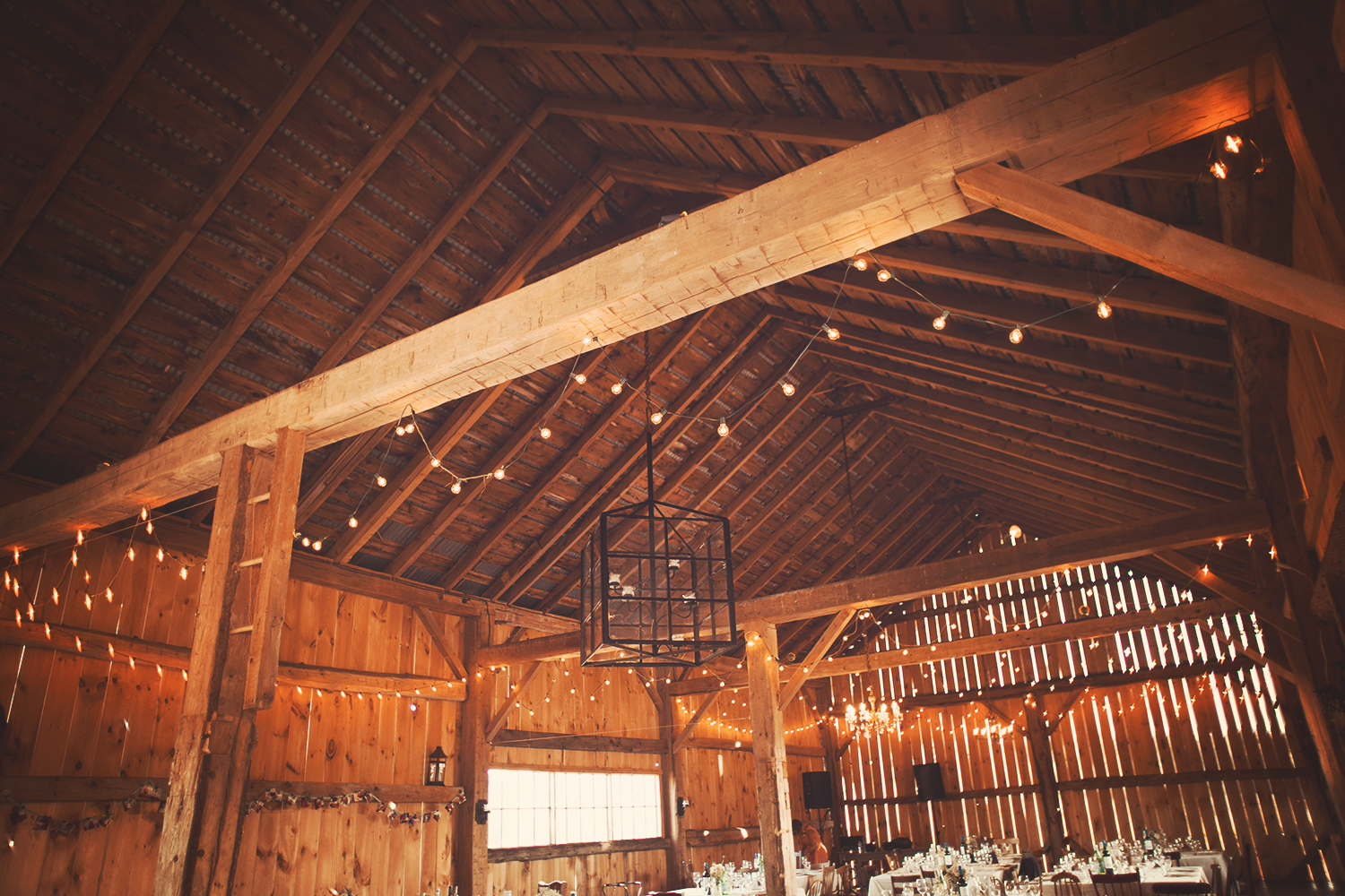 Vanessa_Paxton_Farm_Wedding_084