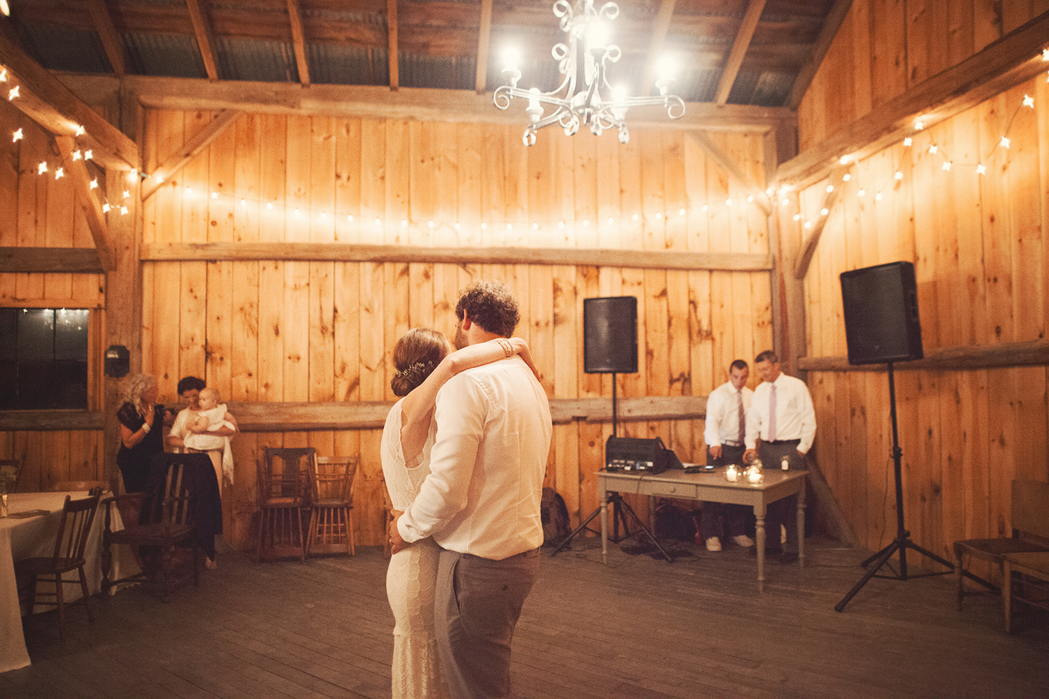 Vanessa_Paxton_Farm_Wedding_093