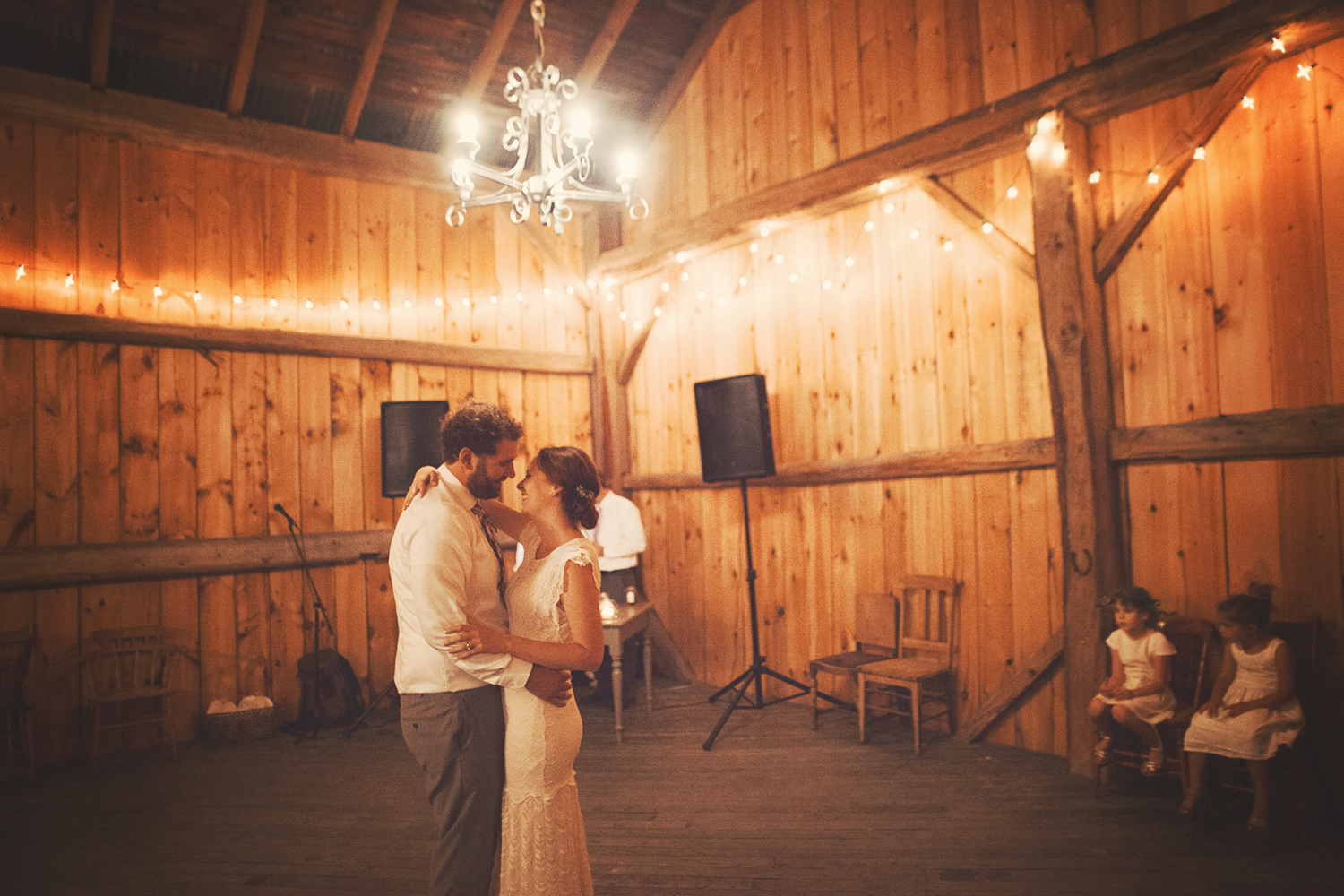 Vanessa_Paxton_Farm_Wedding_094